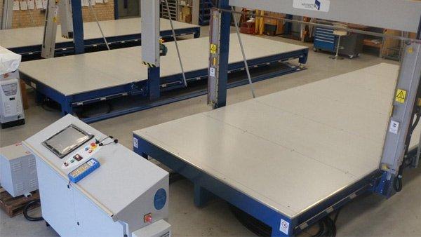 flat-bed-cnc-foam-cutting-machine-thumb